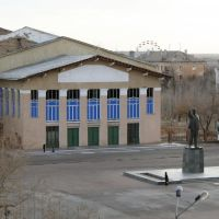 """Square and Lenins statue (view from """"Centralnaya"""" hotel), Байконур"""