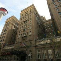 The Fairmont Hotel and Calgary Tower, Калгари