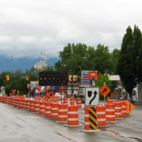 City Hall (with flag) & RAV line construction on Cambie street 2007, Ванкувер