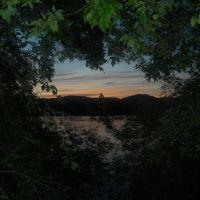 Last Light Through The Trees, Камлупс