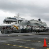 Norwegian Pearl ~ 1st Cruse Ship to dock in Nanaimo, BC, Нанаимо