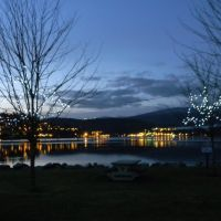 View the sunset and the first lights of the night from Port Moody, Vancouver, BC, Canada, Порт-Муди