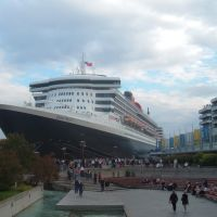 Queen Mary 2 au quai de Québec, Левис
