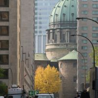Rue Belmont Montréal - Basilique cathédrale Marie Reine du Monde, Монреаль