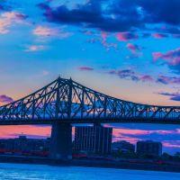 LE PONT JACQUES CARTIER AU CRÉPUSCULE _ JACQUES CARTIER BRIDGE AT TWILIGHT, Монреаль