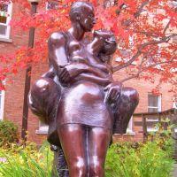 Sculpture Les Amoureux, UQAR, Rimouski, artiste: Roger Langevin, Римауски