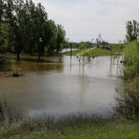 Flooded walkway in spring, Брандон