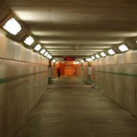 Tunnel linking the two entrances of the GO Station in Burlington, Ла-Саль