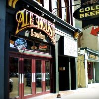 Ale House on Dundas, Follow the red arrow, Лондон