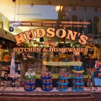 Orillia Downtown - Hudsons Kitchen & Homewares, Ориллиа