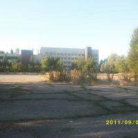 Площадь перед Кабельным заводом, Каинды