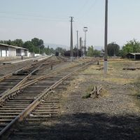fast verwaister Bahnhof von Dschalalabat, Жалал Абад