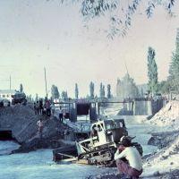 Кадамжай. Расчистка русла после селя 06. 1977 фото А.А. Шмидт, Пульгон