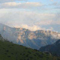 View from Moldo-Ashuu pass road, Угют