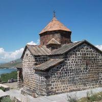Монастырь Севанаванк. Церковь Сурб Аствацацин (871 – 874 гг.), Чаек