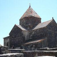 Монастырь Севанаванк. Церковь Сурб Аракелоц (871 – 874 гг.), Чаек