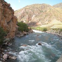 Киргизия, р.Кекемерен, старый мост, Арсланбоб