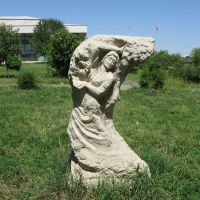 Osh, sculptures near theatre, Ош