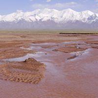 Kyzyl-Suu river and the Pamir Mountains near Sary-Tash, Сары-Таш