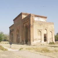 Uzgen, Daniyar & 11th cen Karakhanide Mausoleum, Узген
