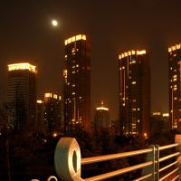 站在琴桥望江东 月亮出来亮晃晃 Watch Jiangdong by standing on Qin Bridge , and the moon came out twinklely !, Нингпо