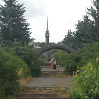 мост и стела, Раздан