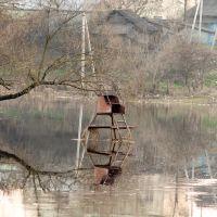 Около кастёла находится плавающая детская горка (13.04.2010), Поставы