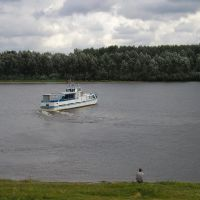 Теплоход ПТ-02 идет по Днепру, Лоев