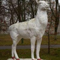 Статуя в парке, Большая Берестовица