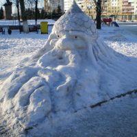 персонажи из сказки в снеге, Солигорск