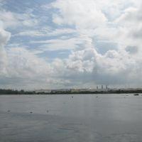 Río Coatzacoalcos, mirando hacía el complejo industrial Pajaritos, Коатцакоалькос