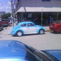 Volkswagen Escarabajo (Vocho) Aparcado Fuera de JR, Косамалоапан (де Карпио)
