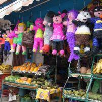 El Mercado y Las Piñatas de Martinez, Мартинес-де-ла-Торре