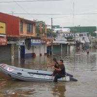 Rescue boat in Minatitlan Flood 2008, Минатитлан