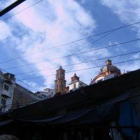 Taxco, la catedral desde el mercado, Такско-де-Аларкон