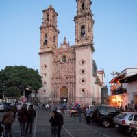 Taxco, zocalo and the cathedral of Santa Prisca, Такско-де-Аларкон