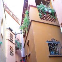Callejon del Beso, Валле-де-Сантъяго