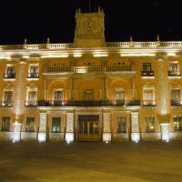 Casa Municipal León Guanajuato Nocturna, Леон (де лос Альдамас)