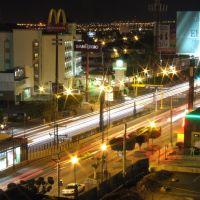 Vista de López Mateos desde el Hotel Real Azteca por la Noche, Леон (де лос Альдамас)