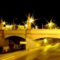 Malecón y Puente del Coecillo por la Noche, Леон (де лос Альдамас)
