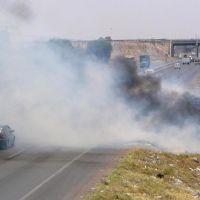 Saliendo de Celaya, Gto. Carreteras llenas de basura, avienta una colilla de cigarro y obtenemos un incendio, Селая