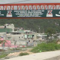 Nuevo puente peatonal, Zacualtipan, Hidalgo, Иксмикуилпан