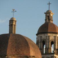 Cúpulas de Santiago Apóstol desde la calle Zaragoza, Монклова