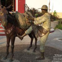 """""""El Arriero""""  serie escultorica de los oficios de Colima, Col México creada por el Sr. Gil Garea, Колима"""