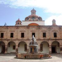 Palacio Clavijero, Морелиа