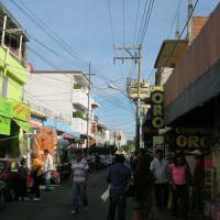 por la Avenida Miguel Ramirez en Cuautla, Куаутла-Морелос