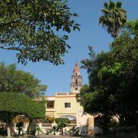 Catedral de Cuernavaca desde Parque Revolución, Куэрнавака