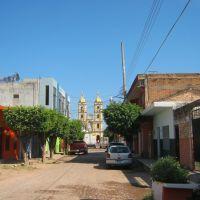 Por la calle Iturbide en Tecuala, Nay, Текуала