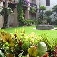 Oaxaca patio colonial, Оаксака (де Хуарес)