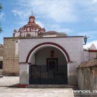 CAPILLA POSA Y CÚPULA DE SANTO CRISTO, TLACOLULA, OAXACA, Тлаколула (де Матаморос)